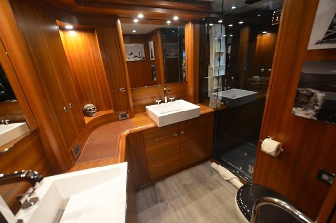 Master Bath 2009 SOUTHERN OCEAN  Sloop 2548582
