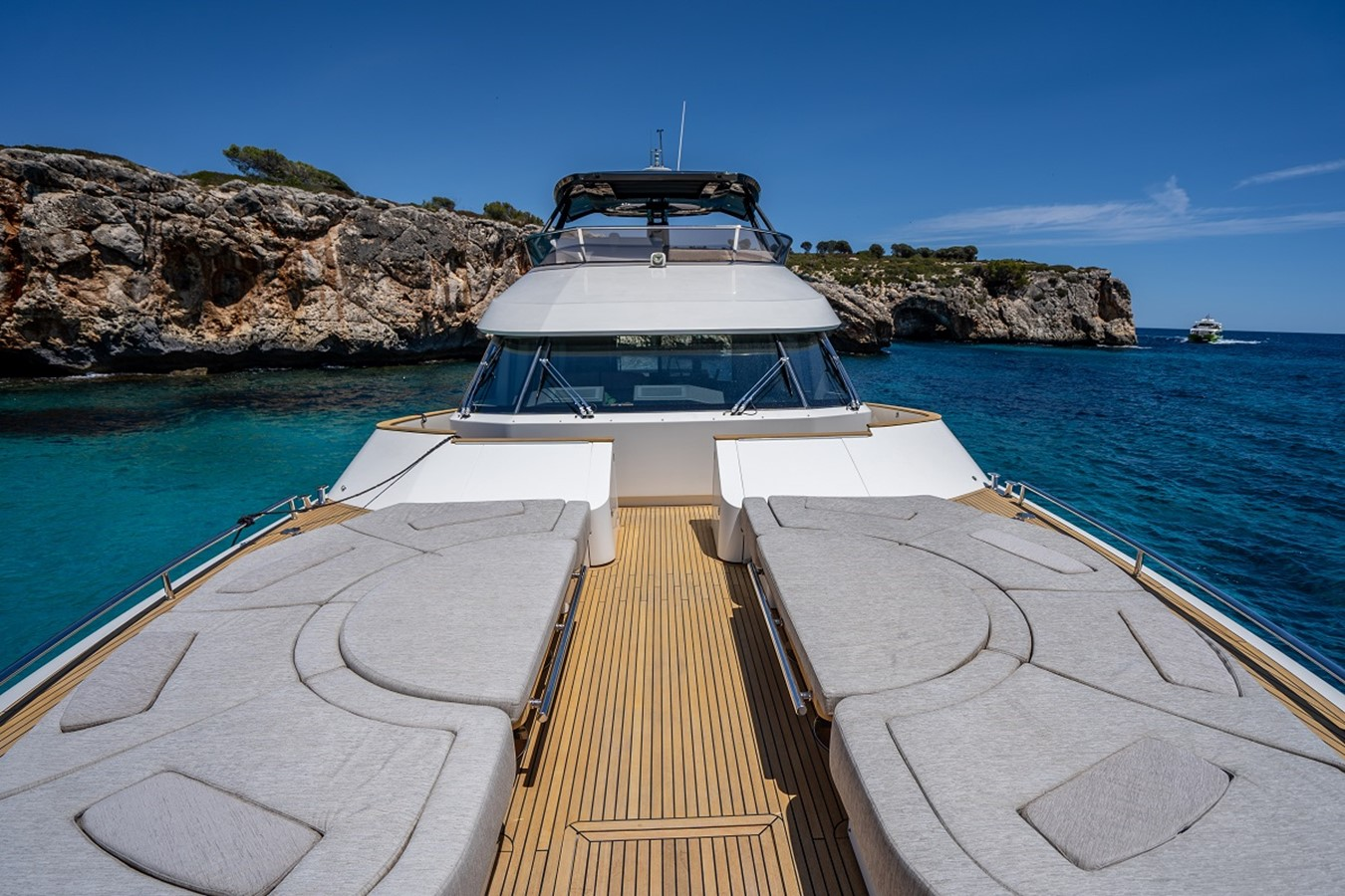 2016 MONTE CARLO YACHTS MCY 76 Fly Bridge Version Motor Yacht 2549436