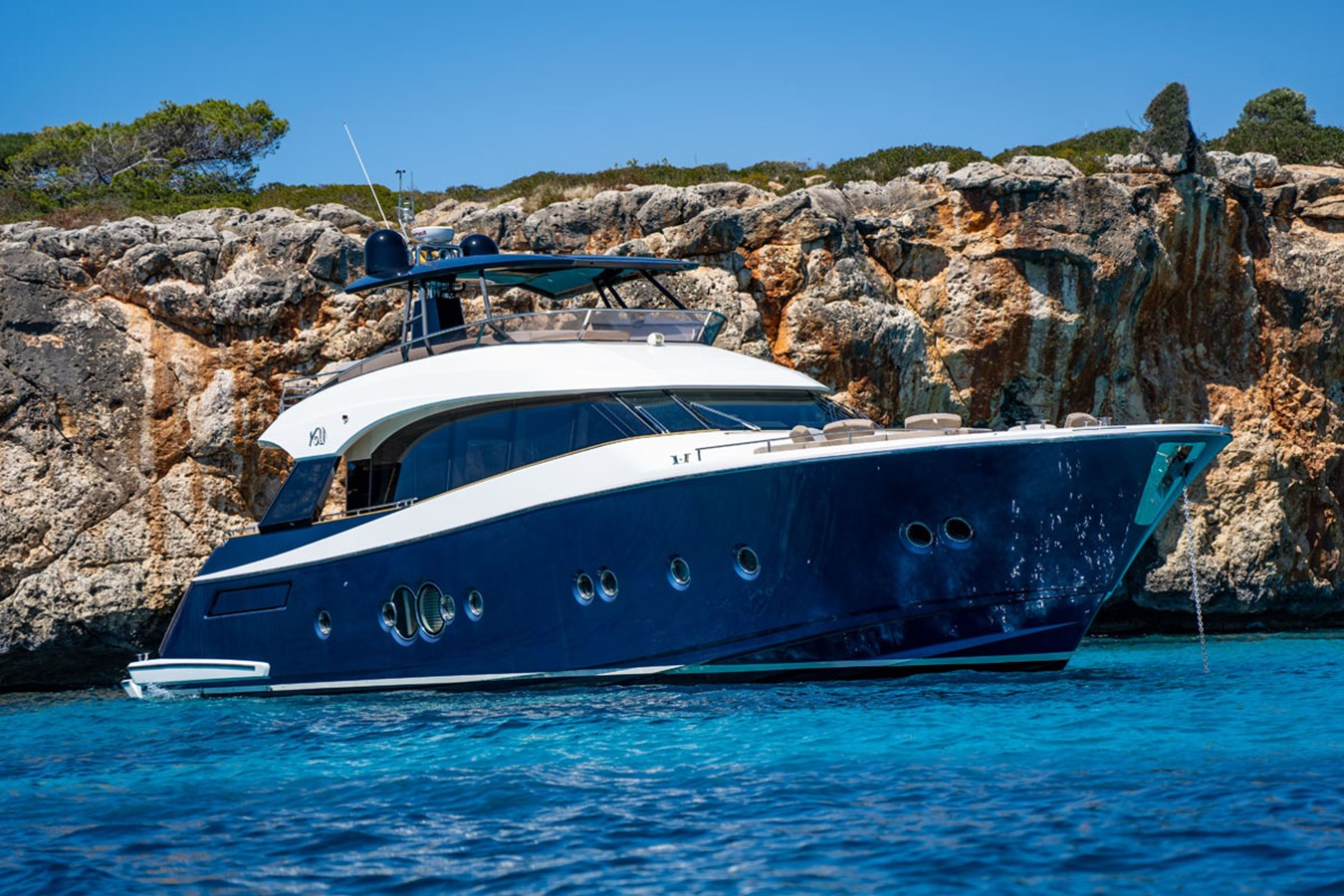BEETHOVEN-14044-046-profile 2016 MONTE CARLO YACHTS MCY 76 Fly Bridge Version Motor Yacht 2809789