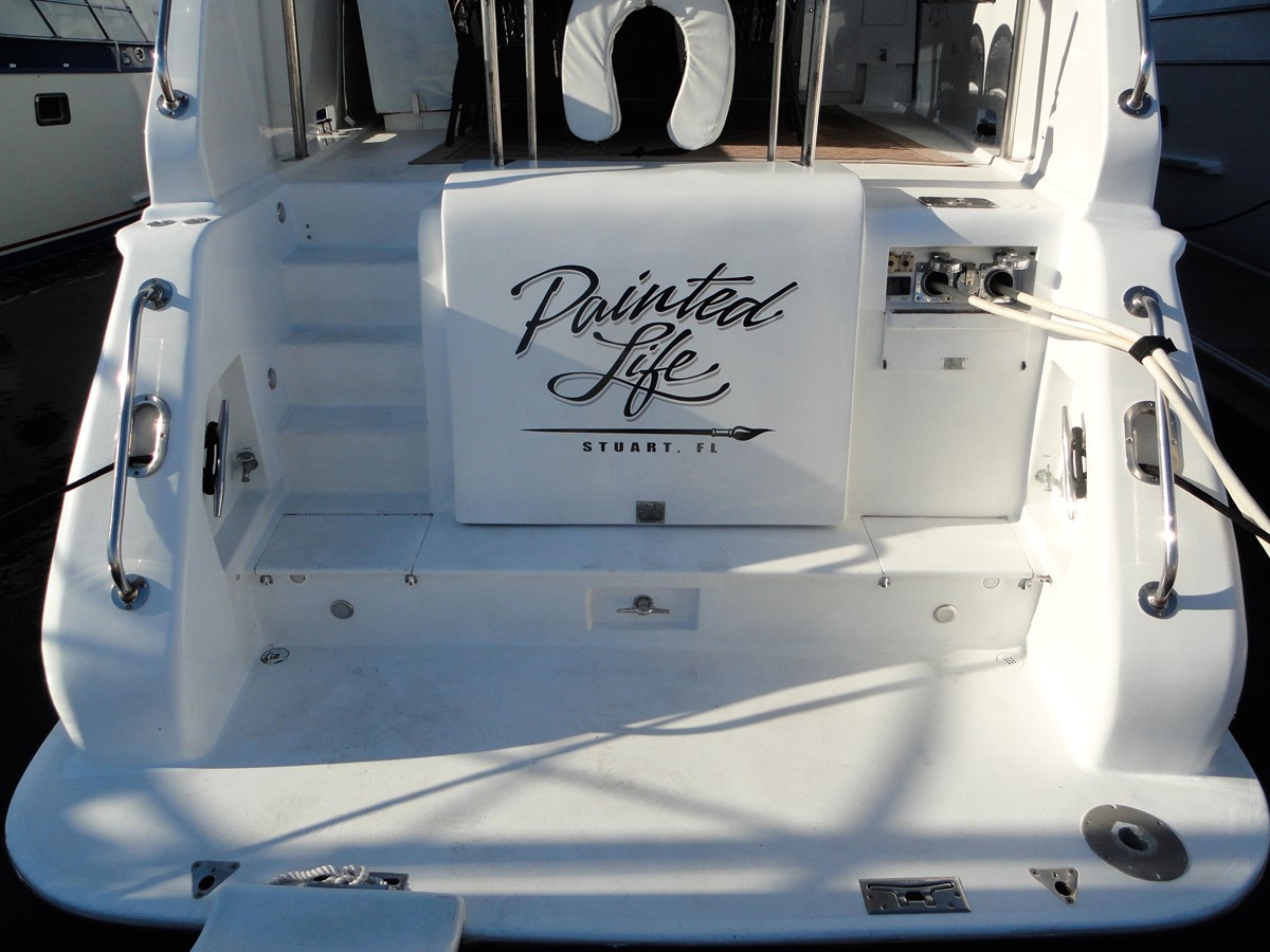 Aft View 1979 HATTERAS  Motor Yacht 2575574