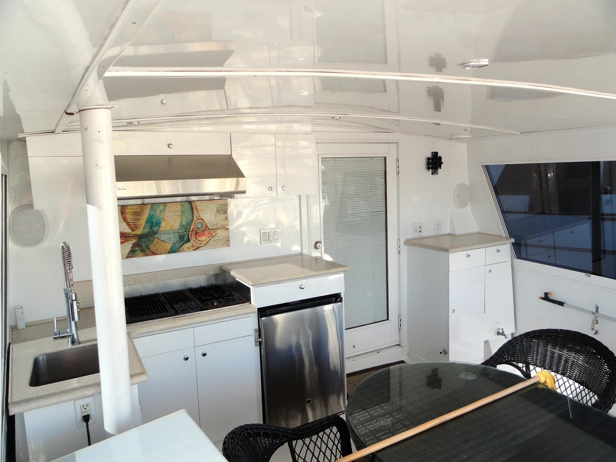 Cockpit 1979 HATTERAS  Motor Yacht 2575649