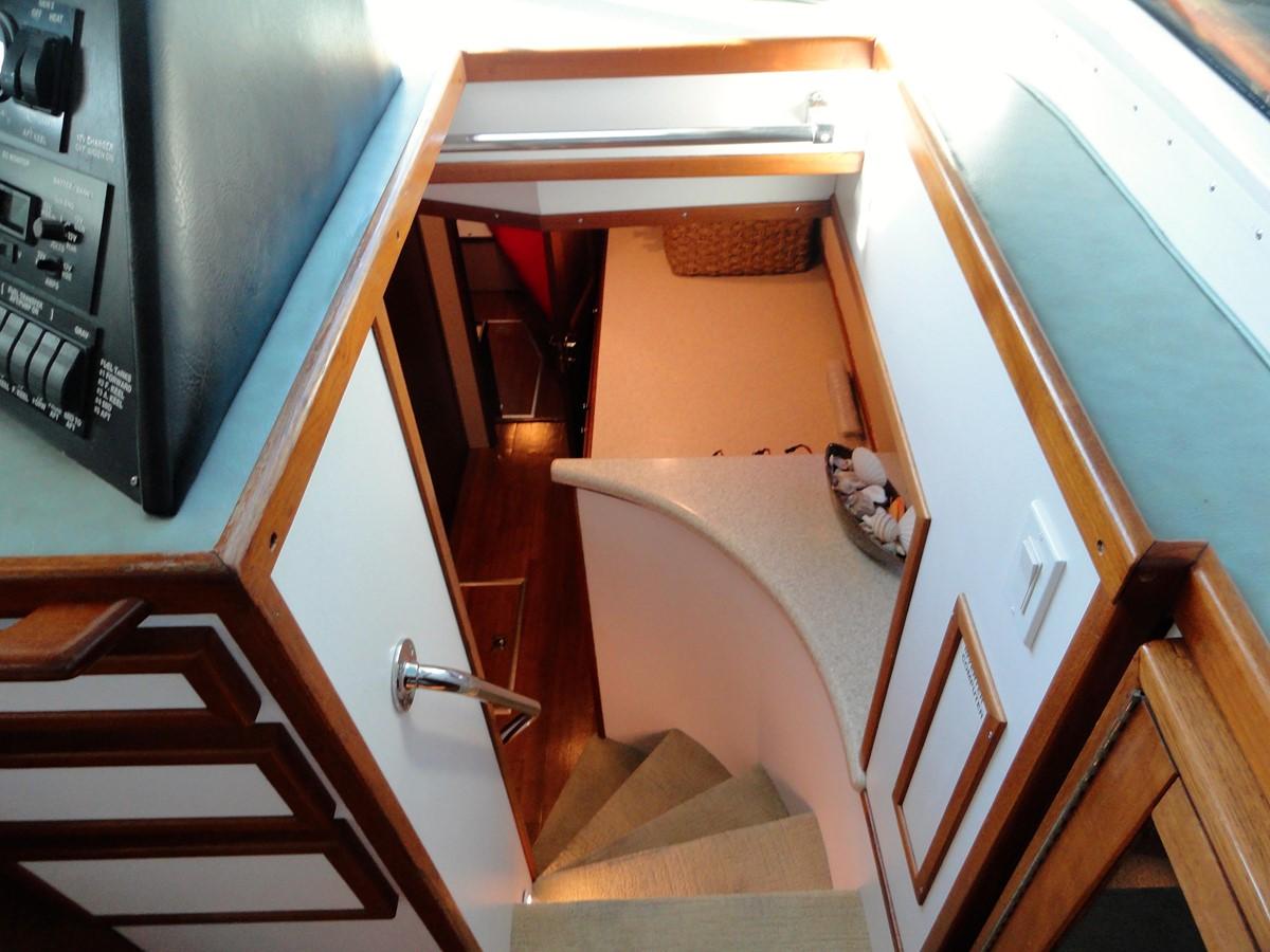 Stairs 1979 HATTERAS  Motor Yacht 2575797