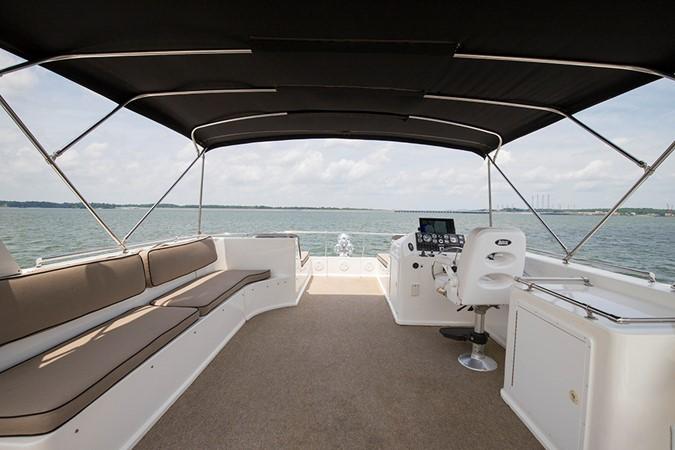 Upper helm 2007 FANTASY YACHTS 112' x 21' Houseboat 2551870