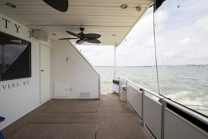 Aft deck 2007 FANTASY YACHTS 112' x 21' Houseboat 2551878