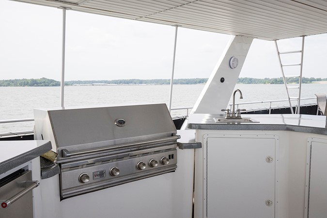 Summerset grill and wet bar 2007 FANTASY YACHTS 112' x 21' Houseboat 2551886