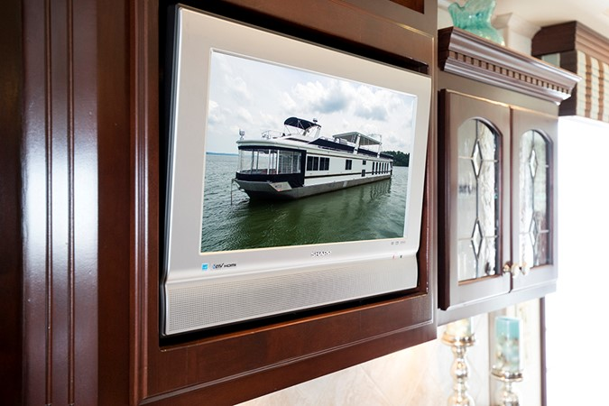 TV in the galley 2007 FANTASY YACHTS 112' x 21' Houseboat 2551900