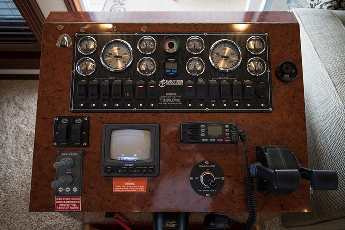 Lower helm dashboard 2007 FANTASY YACHTS 112' x 21' Houseboat 2551909