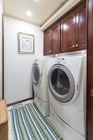 Laundry room 2007 FANTASY YACHTS 112' x 21' Houseboat 2551930