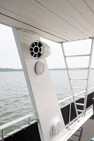 Speakers at the bridge 2007 FANTASY YACHTS 112' x 21' Houseboat 2551934