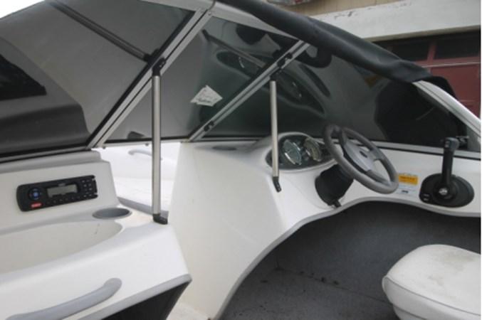 yachtIMG_1167 2011 BAYLINER 160 Cruiser 2550587