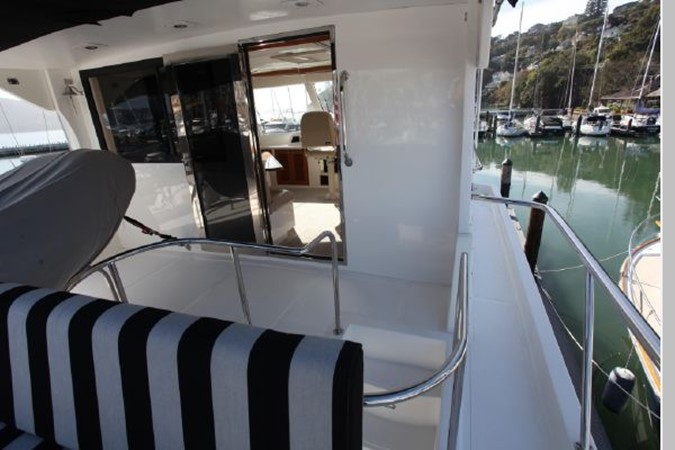 2009 CUSTOM Activa Skylounge Motor Yacht 2552776