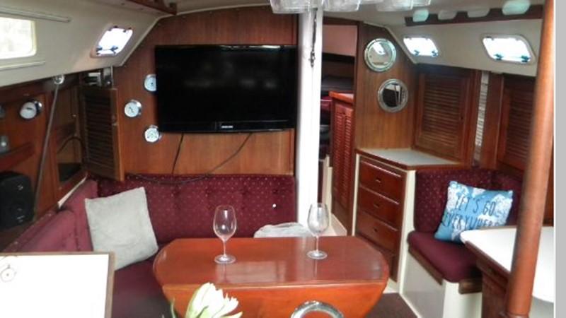 1989 CATALINA 36 MK I Cruiser 2561366