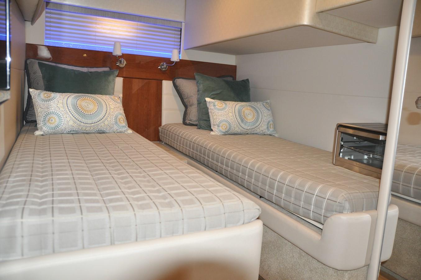 Guest Stateroom 2017 FORMULA Yacht Cruiser 2554130
