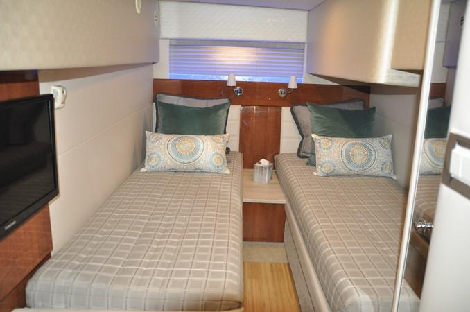 Guest Stateroom 2017 FORMULA Yacht Cruiser 2554129