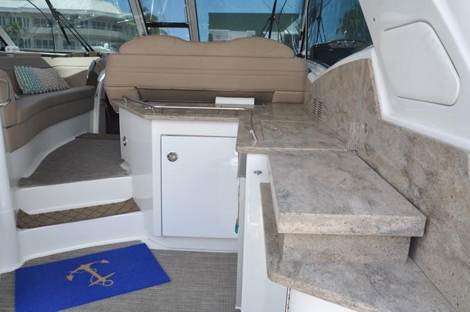 Helm Area 2017 FORMULA Yacht Cruiser 2554138