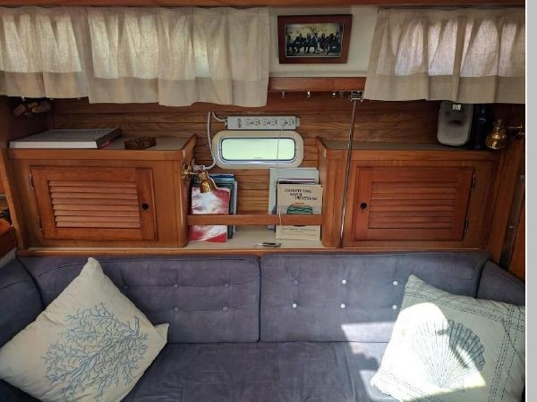 1995 CATALINA 36 MKII Cruising Sailboat 2554575