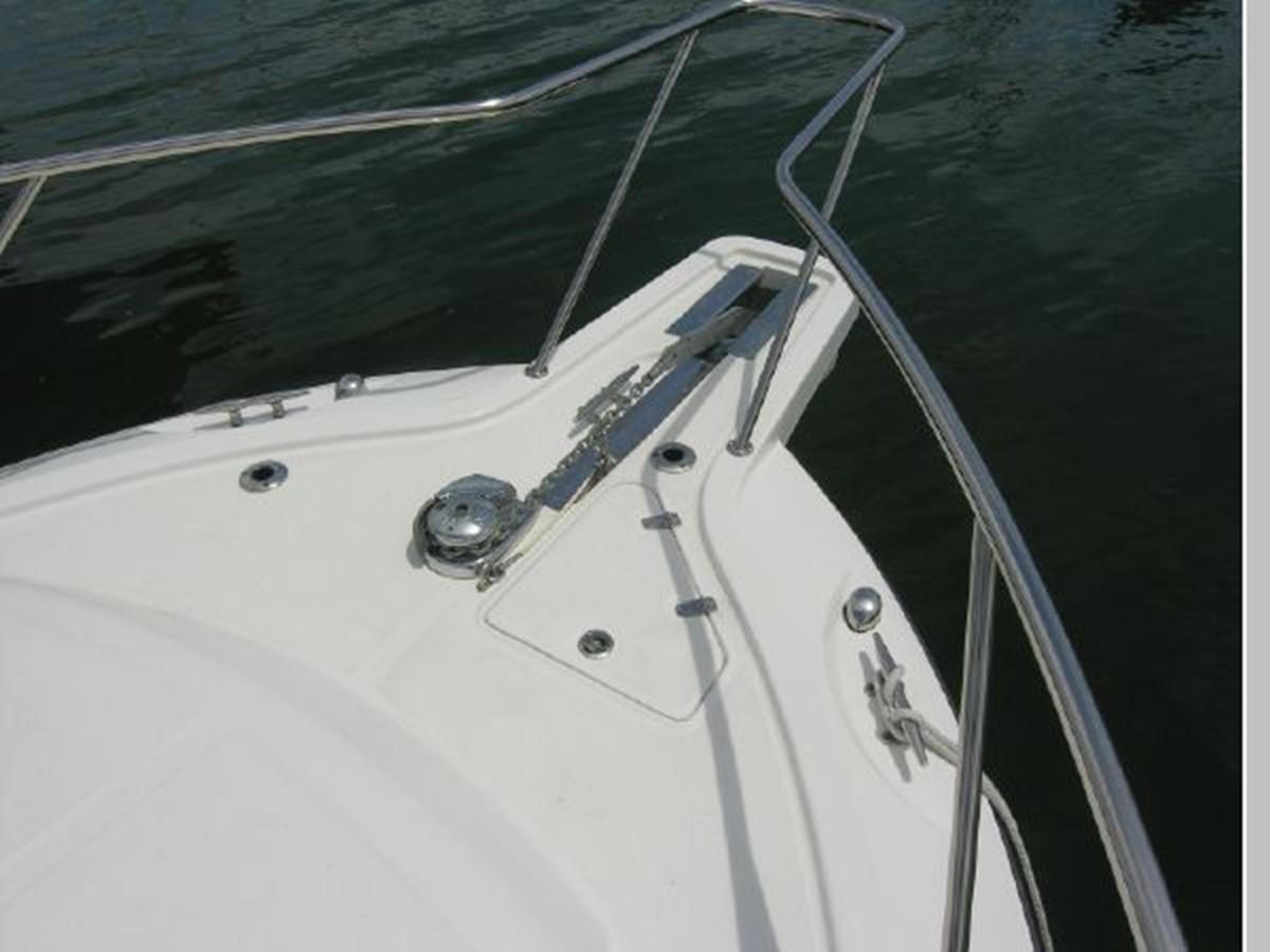 Bow Windlass 2008 BOSTON WHALER 345 Conquest Sport Fisherman 2555159