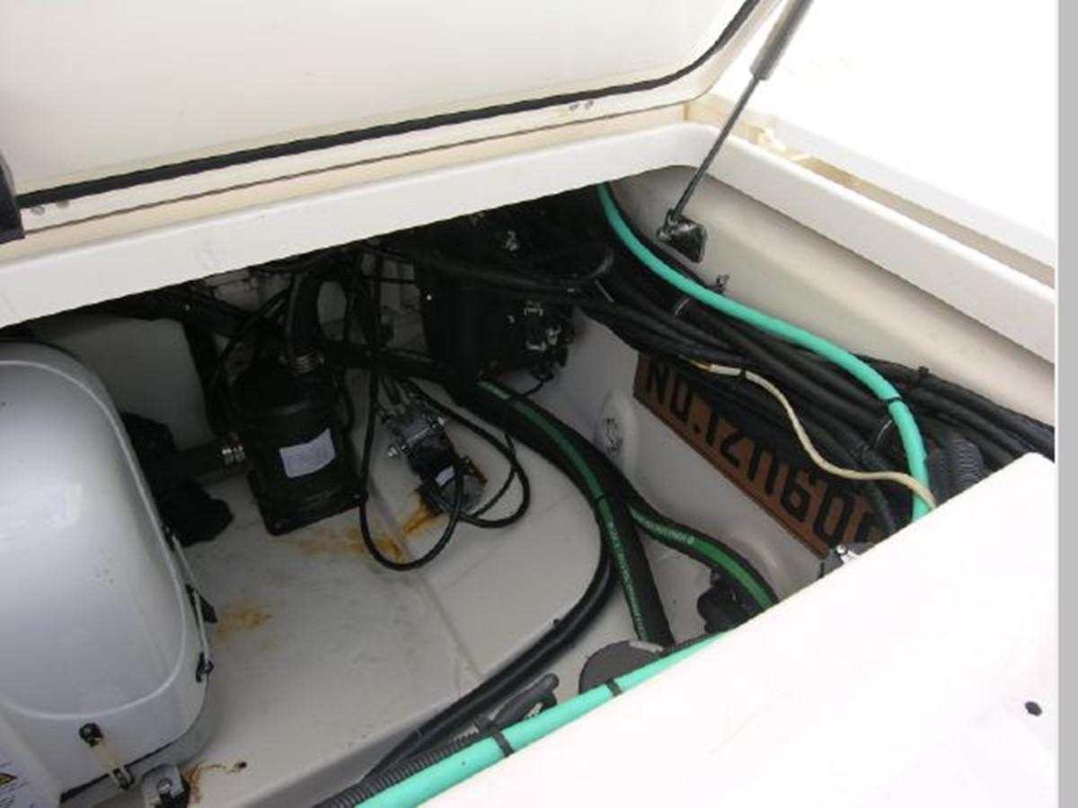 Lazzerette Port 2008 BOSTON WHALER 345 Conquest Sport Fisherman 2555196