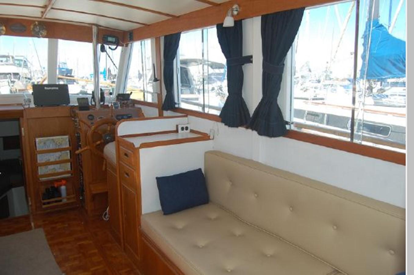Salon starboard 1976 GRAND BANKS  Trawler 2555257