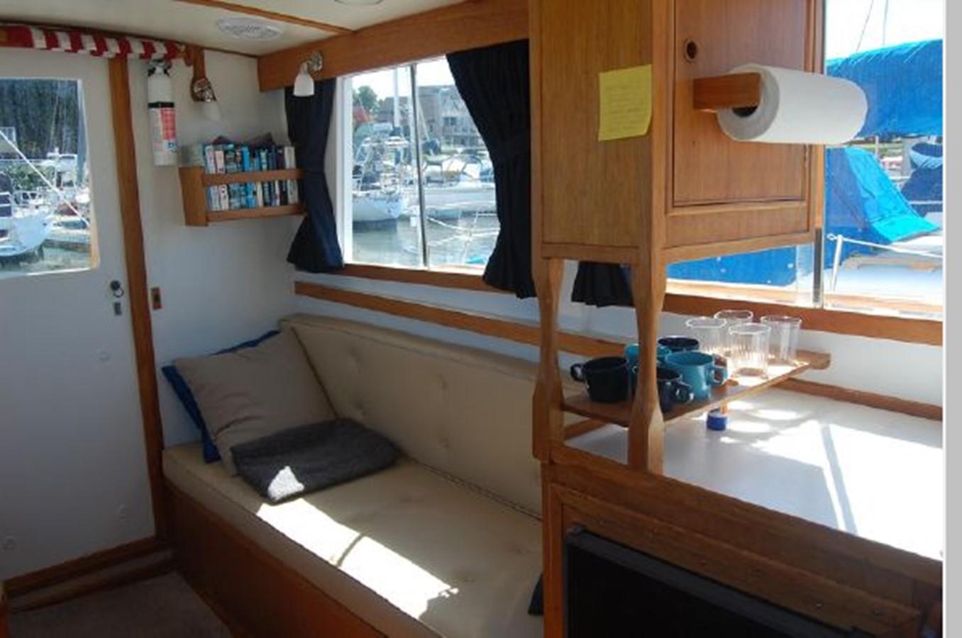 Salon port 1976 GRAND BANKS  Trawler 2555258