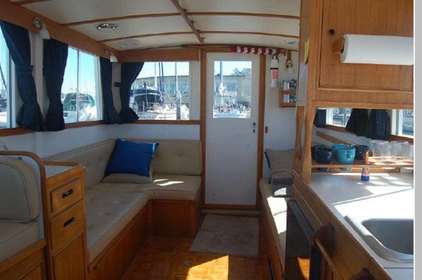 Salon looking aft 1976 GRAND BANKS  Trawler 2555259