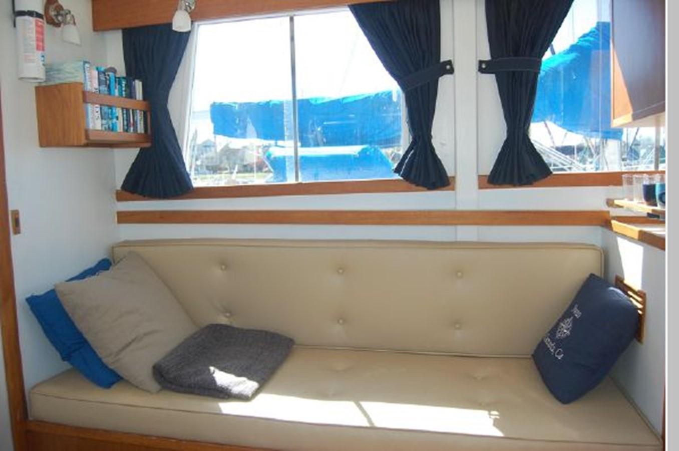 Settee port 1976 GRAND BANKS  Trawler 2555264