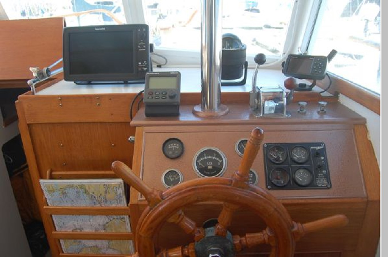 Lower Helm 1976 GRAND BANKS  Trawler 2555267