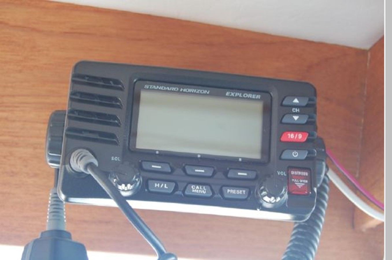 VHF Radio 1976 GRAND BANKS  Trawler 2555277