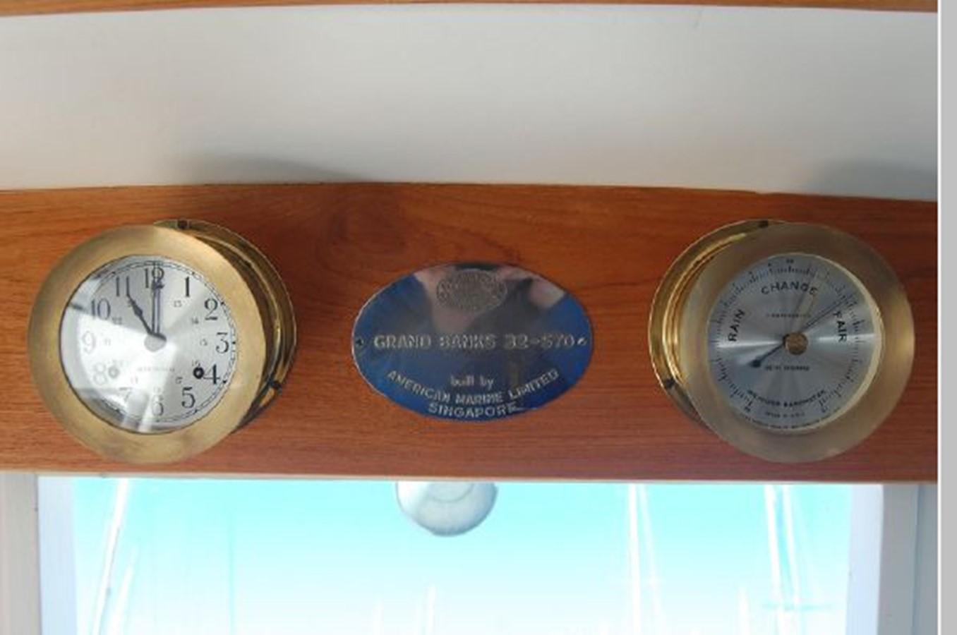 Clock - Barometer 1976 GRAND BANKS  Trawler 2555282
