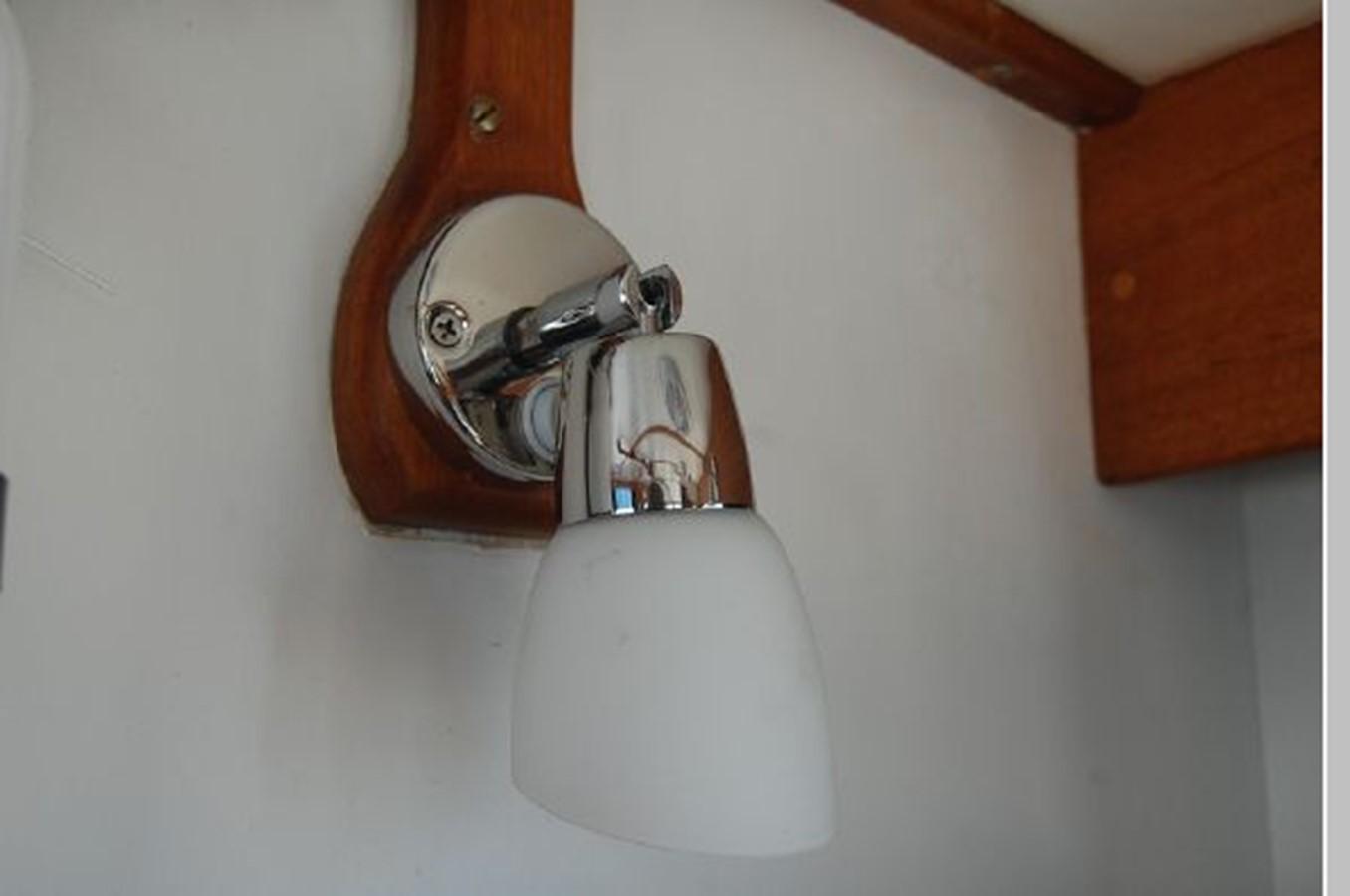 New LED light fixtures 1976 GRAND BANKS  Trawler 2555284