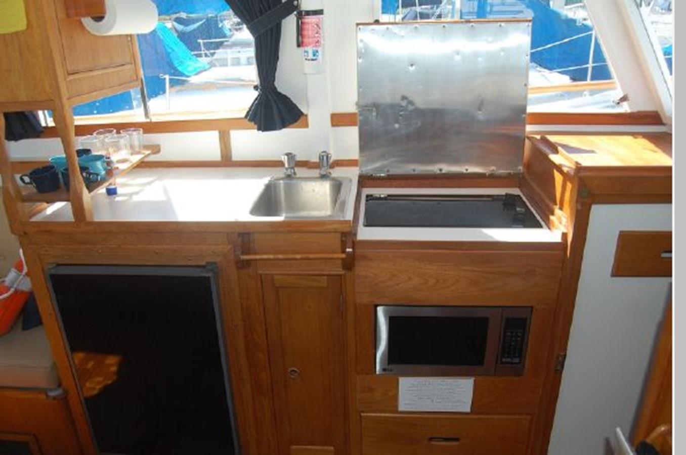 Galley 1976 GRAND BANKS  Trawler 2555287