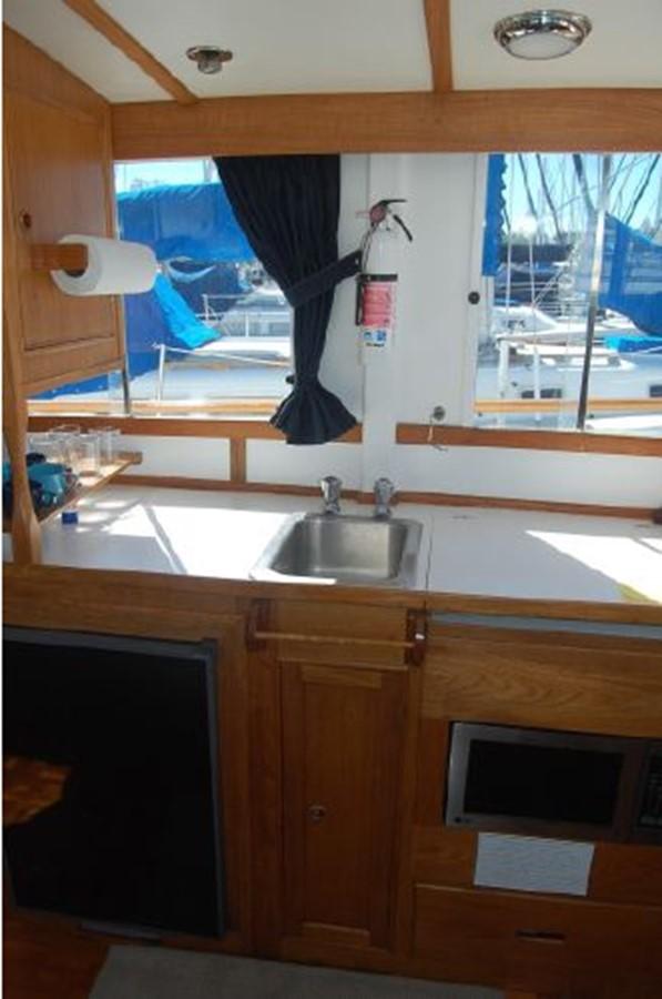 Galley 1976 GRAND BANKS  Trawler 2555291