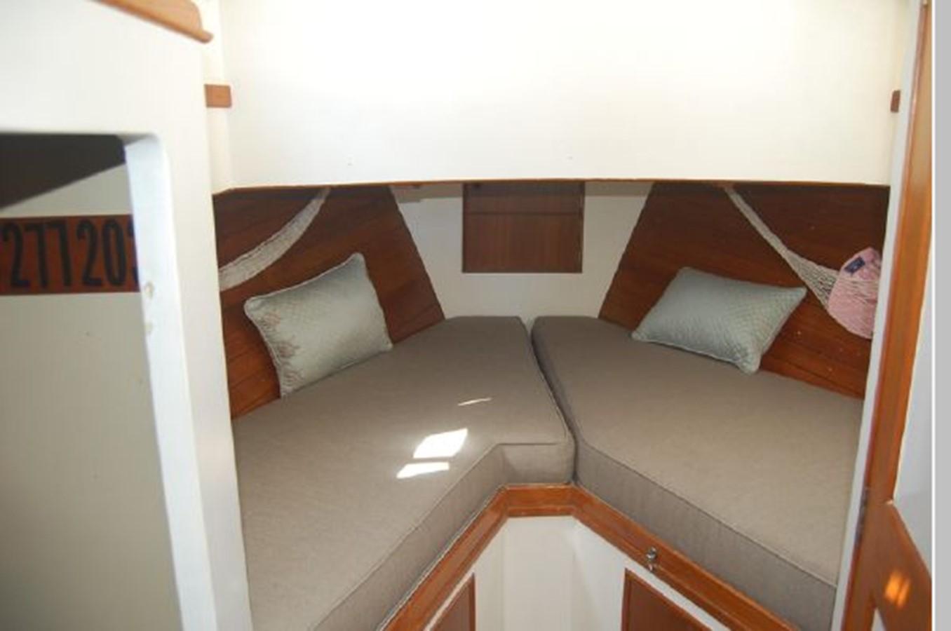 V-Berth 1976 GRAND BANKS  Trawler 2555294