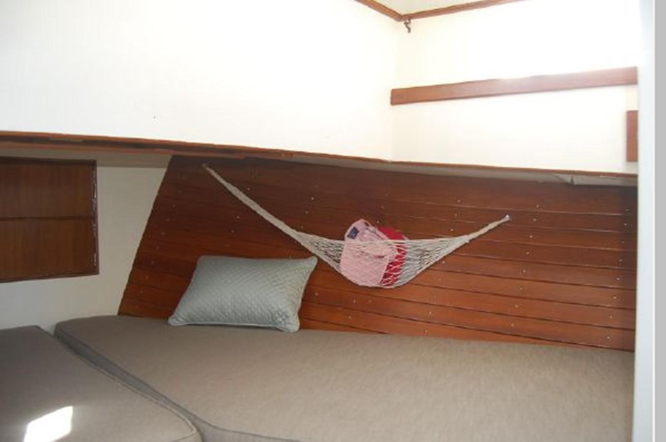 Stateroom starboard 1976 GRAND BANKS  Trawler 2555298