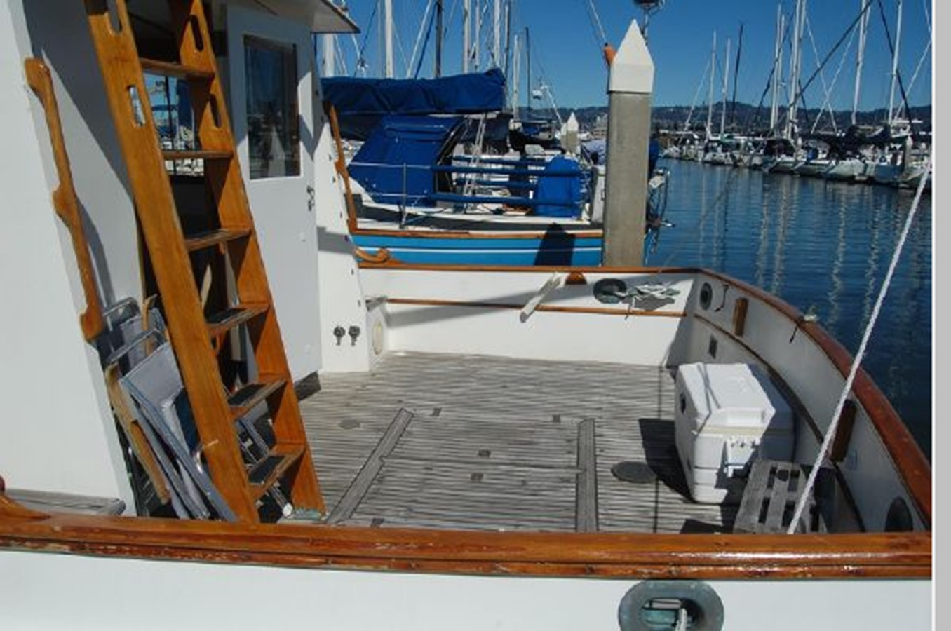 Cockpit 1976 GRAND BANKS  Trawler 2555302