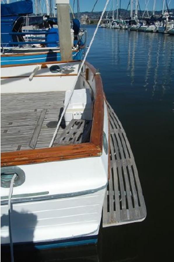 Swim platform 1976 GRAND BANKS  Trawler 2555303