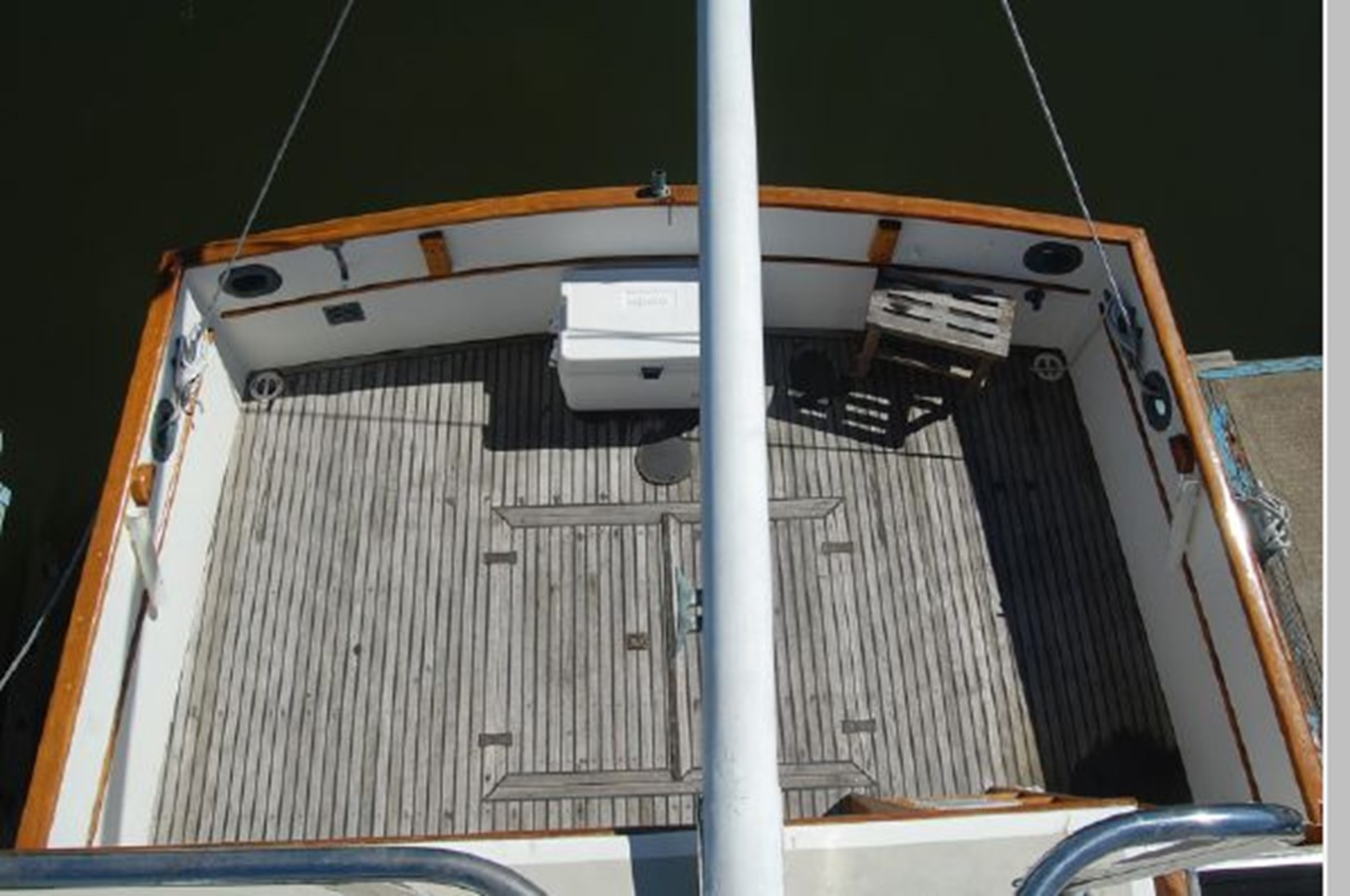 Cockpit from Flybridge 1976 GRAND BANKS  Trawler 2555306