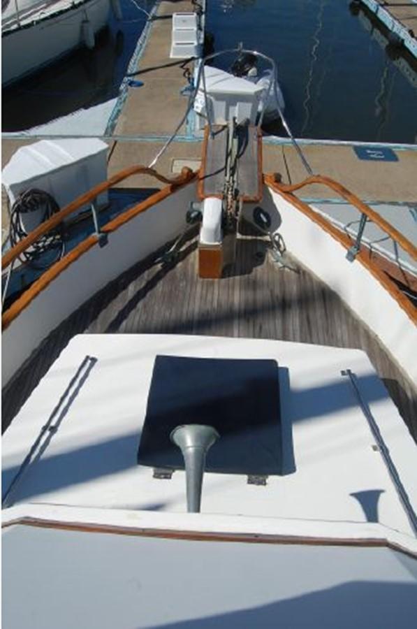Foredeck 1976 GRAND BANKS  Trawler 2555316