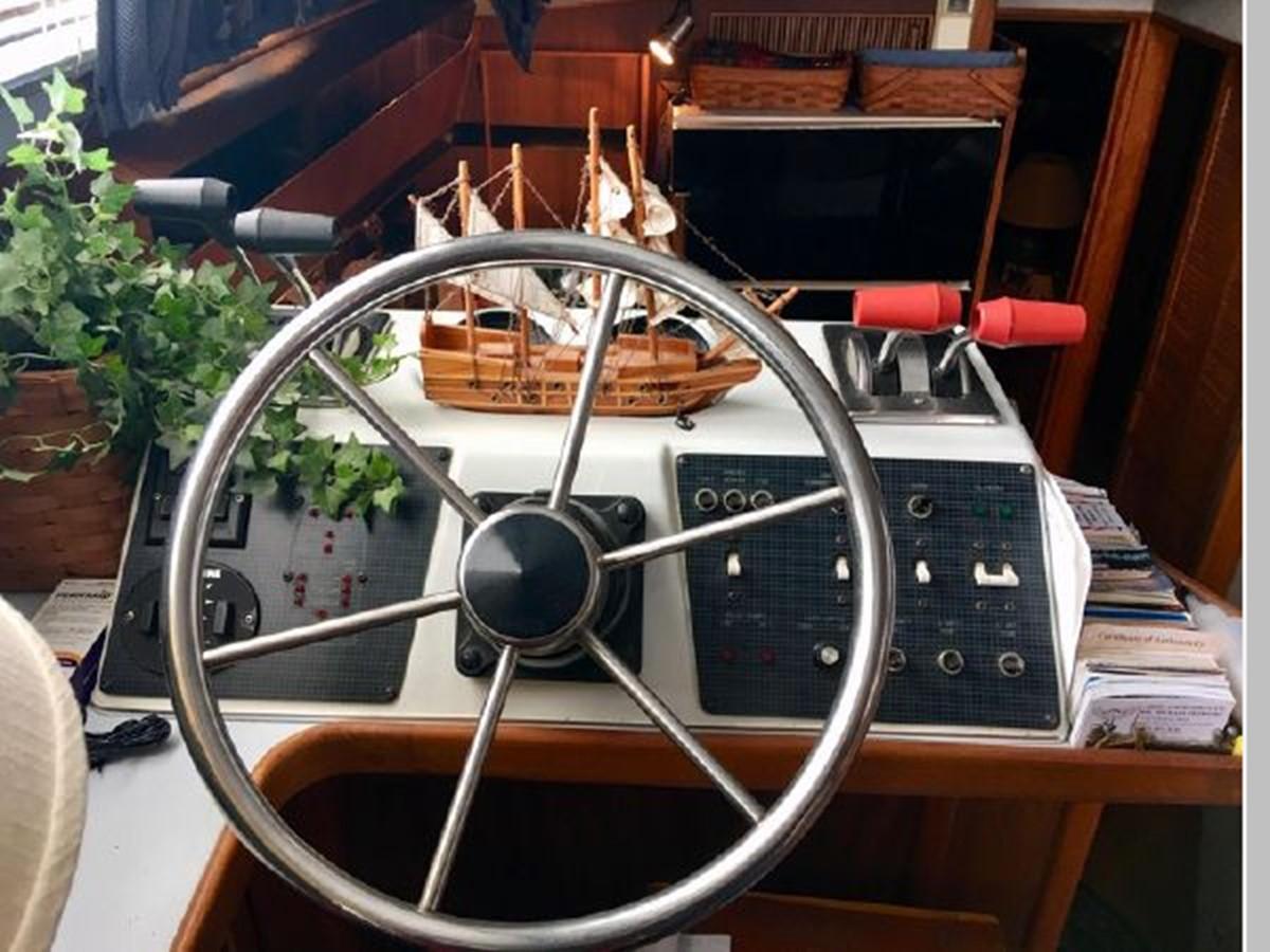 1988 SEA RAY 415 Aft Cabin Motor Yacht 2555864