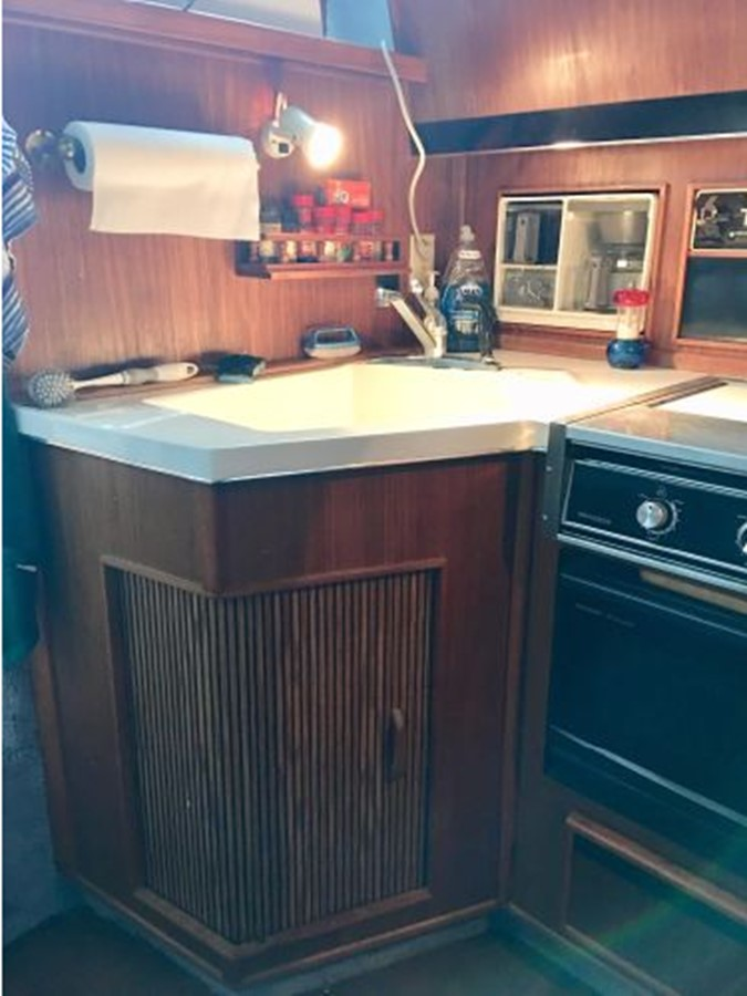 1988 SEA RAY 415 Aft Cabin Motor Yacht 2555879