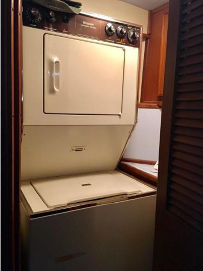 1988 SEA RAY 415 Aft Cabin Motor Yacht 2555890