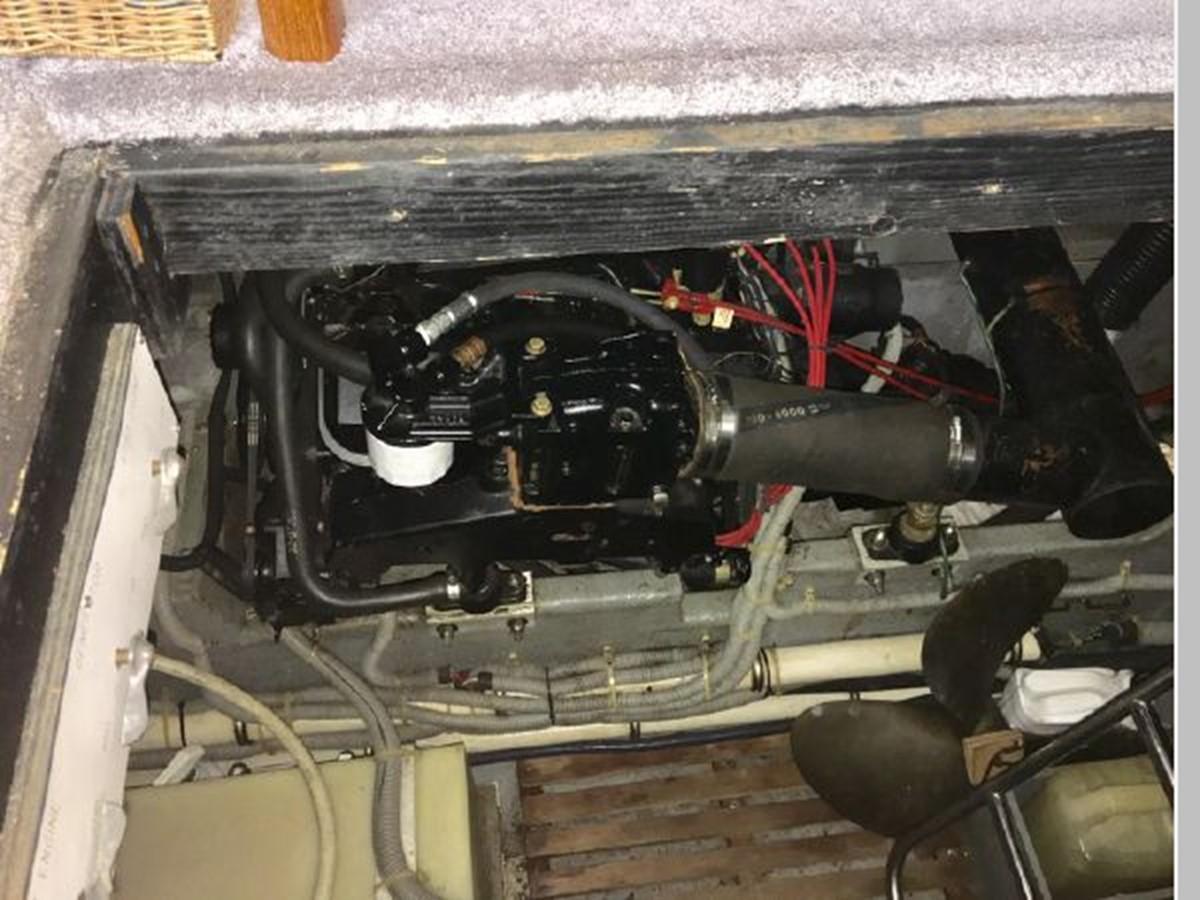 1988 SEA RAY 415 Aft Cabin Motor Yacht 2555895