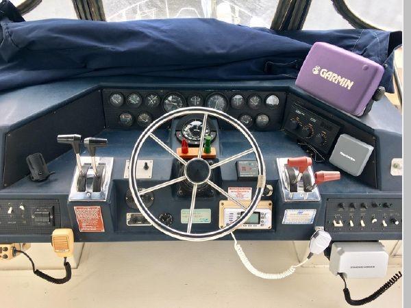 1988 SEA RAY 415 Aft Cabin Motor Yacht 2555901