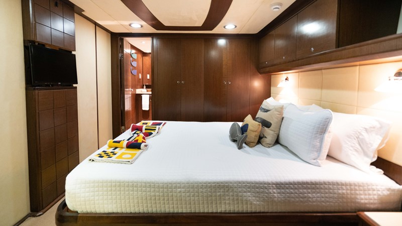 Guest Stateroom - Stbd. 2008 MCP YACHTS Europa Motor Yacht 2651826