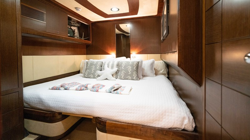 Guest Stateroom - Stbd. 2008 MCP YACHTS Europa Motor Yacht 2651830