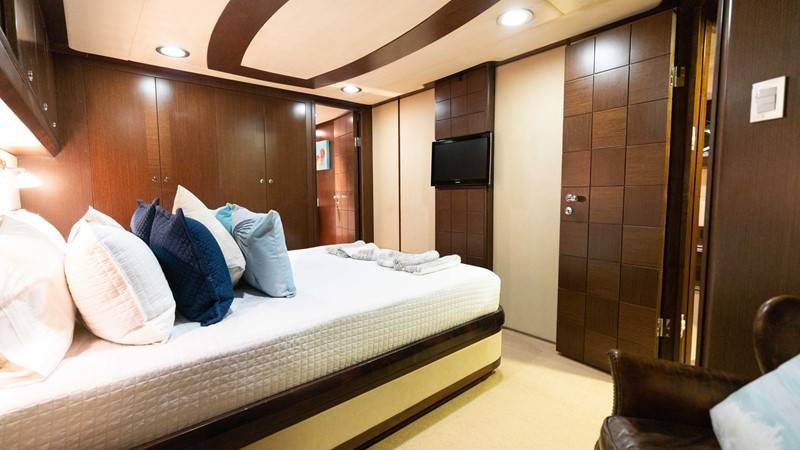 Guest Stateroom - Port  2008 MCP YACHTS Europa Motor Yacht 2669069