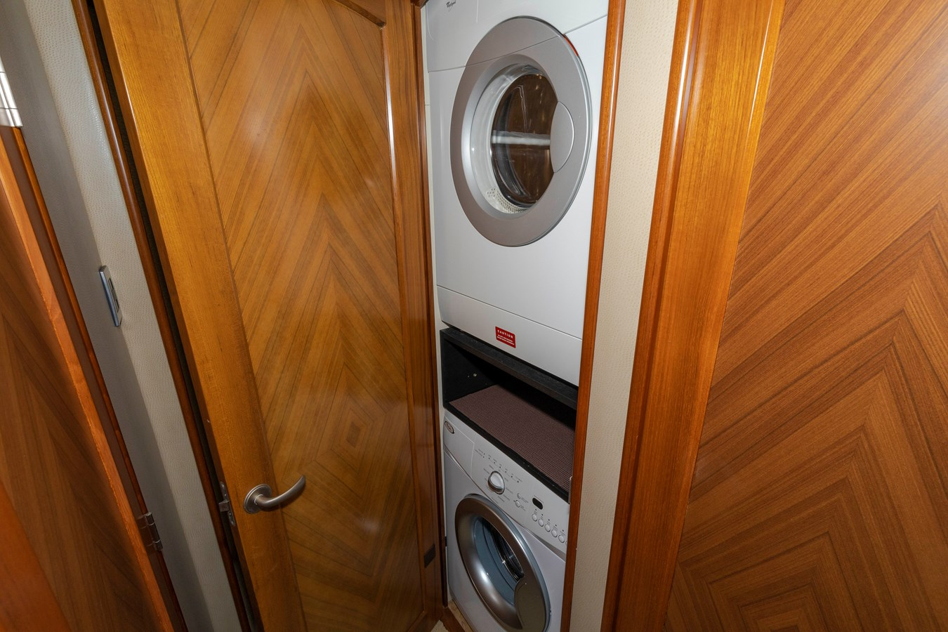 Washer dryer 2008 VIKING Convertible Sport Fisherman 2580513