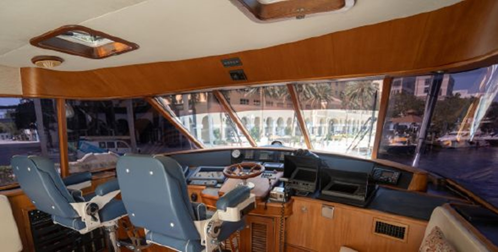 Pilothouse  1998 PETTEGROW Custom Sport Fisherman 2558856