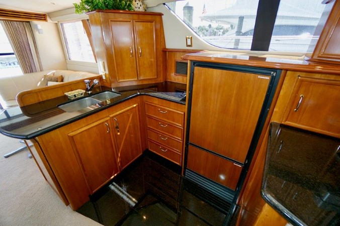 Galley 2006 Carver Voyager   Motor Yacht 2563889