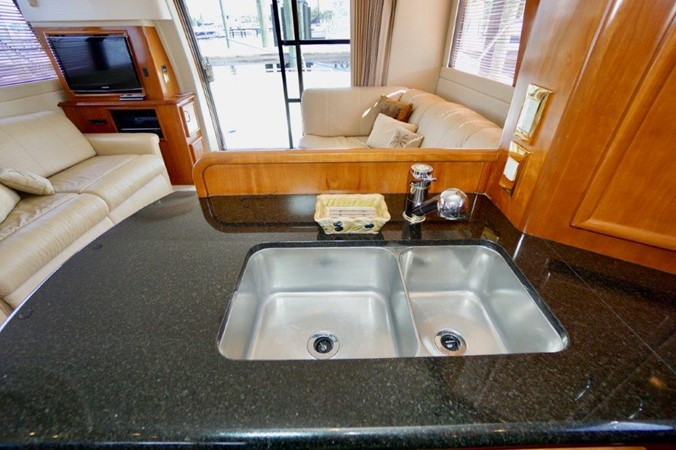 Galley 2006 Carver Voyager   Motor Yacht 2563891